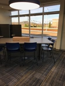 Construction Clean Conference Table with Large Window